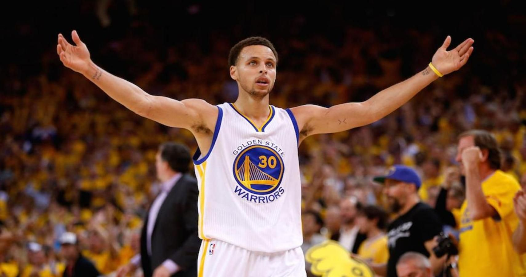 9a9315f56a9b Vegas Odds Favor Current Golden State Warriors Team Over 2001-02 Lakers